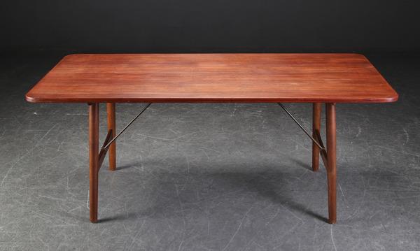 Borge Mogensen  Hunting table  Soborg Mobler (3).jpg
