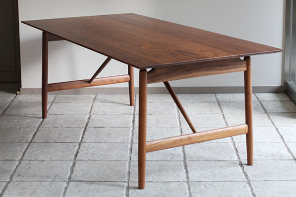 CAJA Dining table-01.jpg