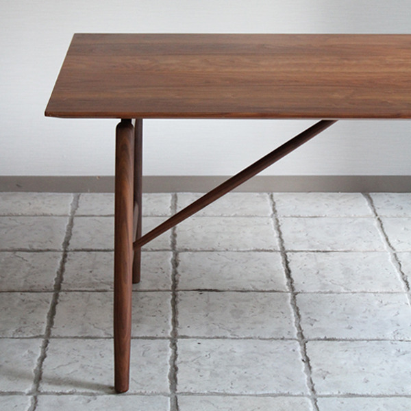CAJA Dining table-03.jpg
