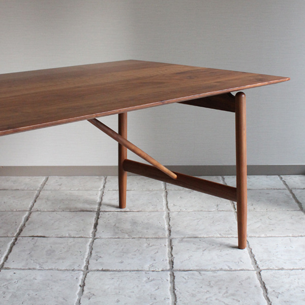 CAJA Dining table-06.jpg