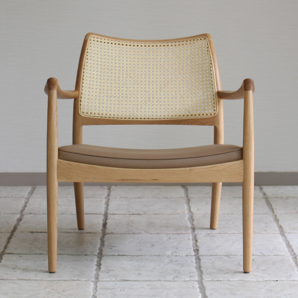CAJA Easy chair (Oak Cane back) (10).jpg
