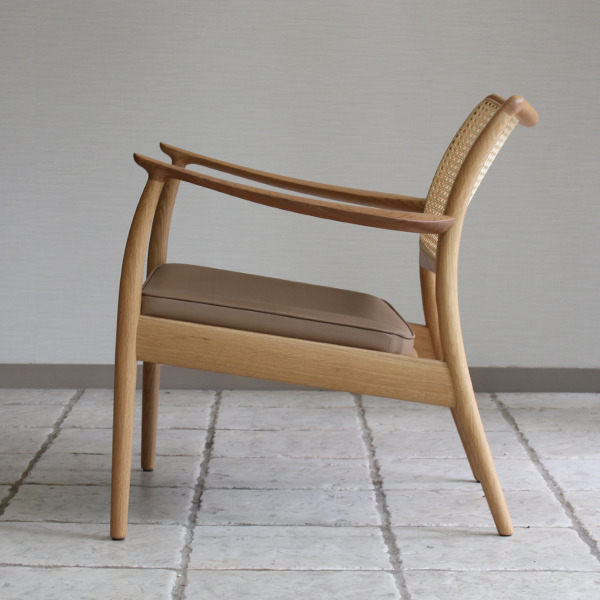 CAJA Easy chair (Oak Cane back) (1).jpg