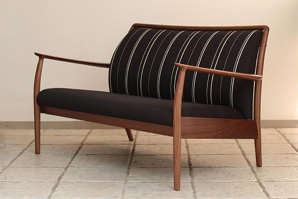 CAJA Sofa W1300 (16).jpg