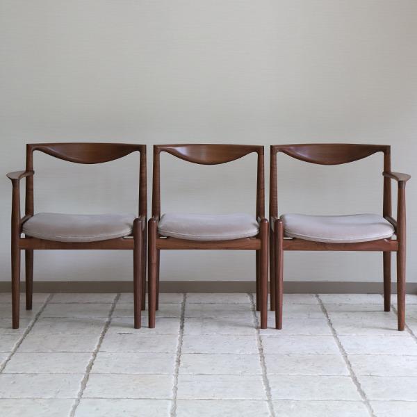 Chair. P5-D(アーム無)& Chair. P5-A(片肘) 中村達薫 - Tatsushige Nakamura (4).jpg