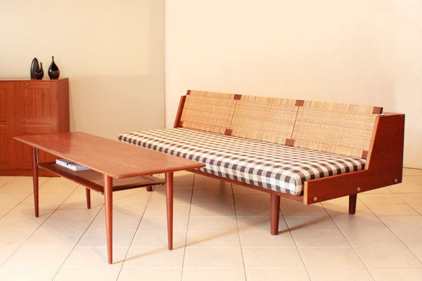 Daybed-Teak-and-Cane-01.jpg