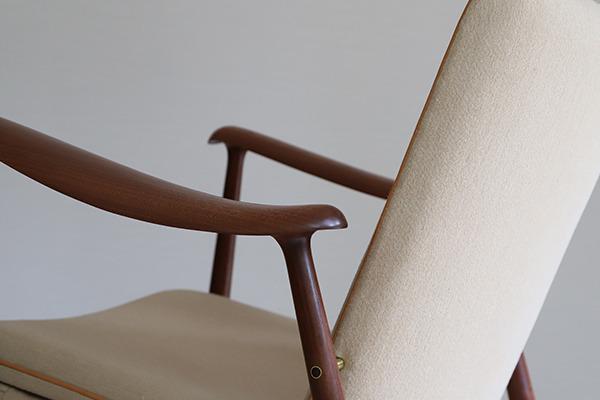 中村 達薫 Easy Chair  low (9).jpg