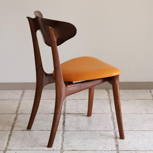 中村達薫  Chair. Bell Sculpture  レザー (3).jpg