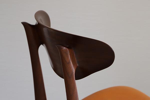 中村達薫  Chair. Bell Sculpture  レザー (8).jpg