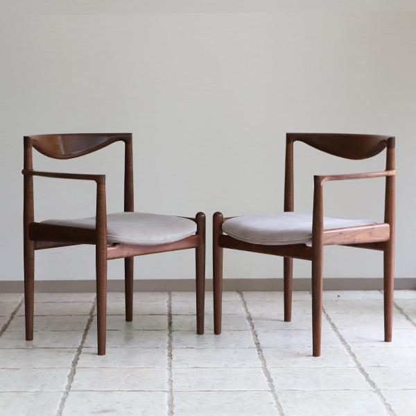中村達薫  Chair. P5-A (片側アーム) (11).jpg