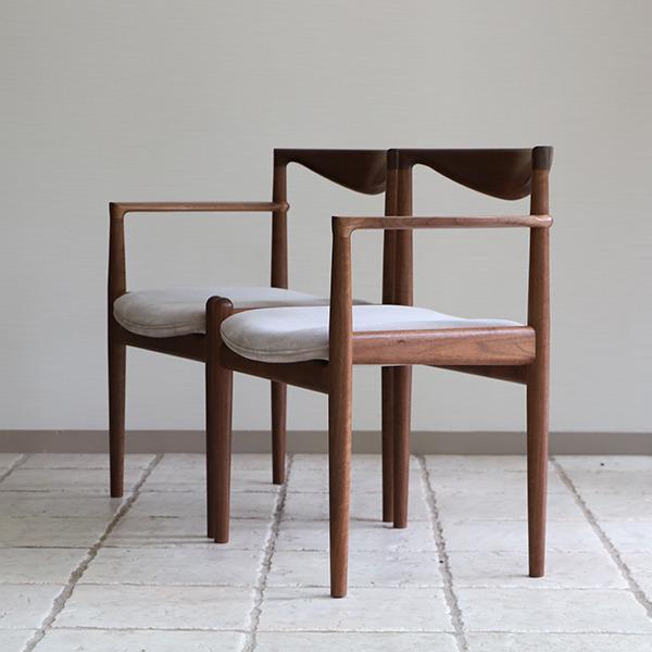 中村達薫  Chair. P5-A (片側アーム) (2).jpg