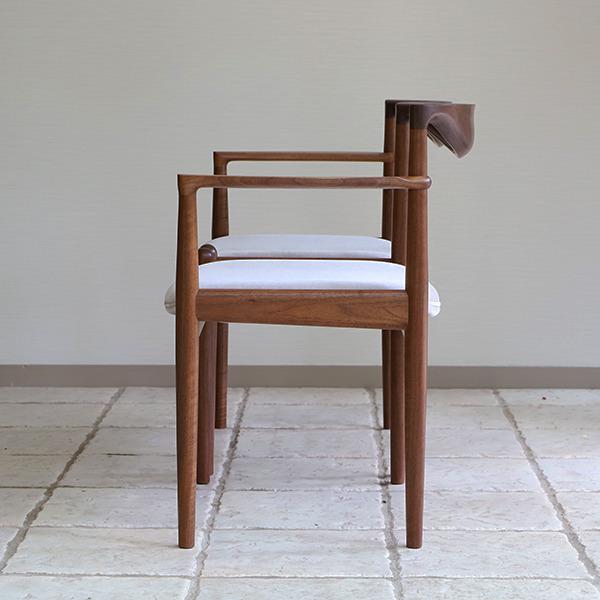 中村達薫  Chair. P5-A (片側アーム) (3).jpg