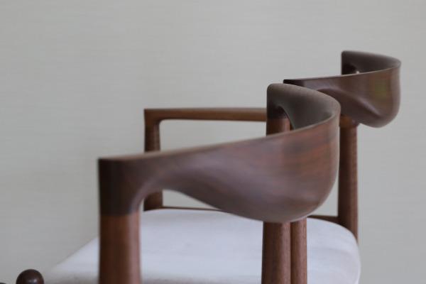 中村達薫  Chair. P5-A (片側アーム) (7).jpg