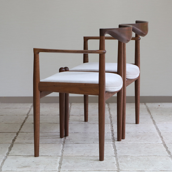 中村達薫  Chair. P5-A (片側アーム) (8).jpg