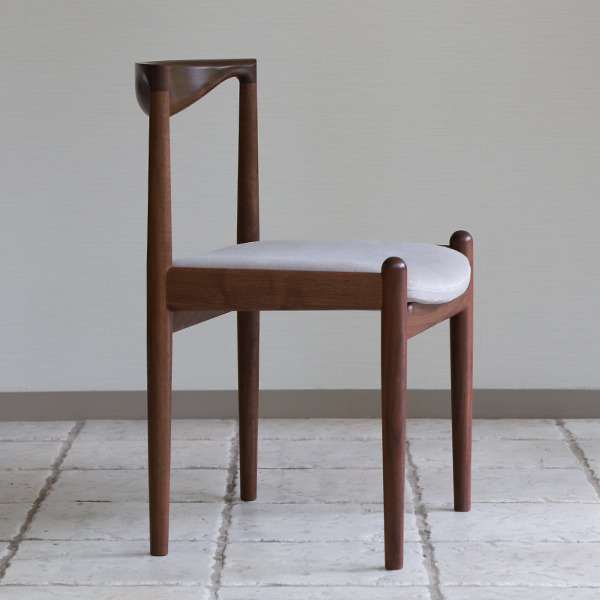 中村達薫  Chair. P5-D(アーム無) (3).jpg