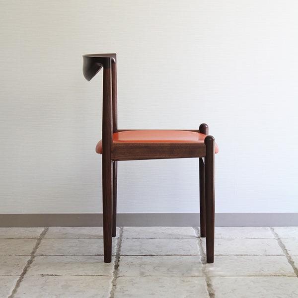 中村達薫  Chair (1).jpg