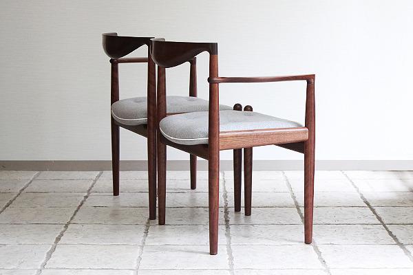 中村達薫  Chair (3).jpg
