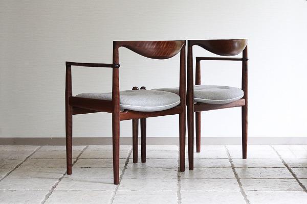 中村達薫  Chair (4).jpg