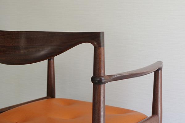 中村達薫  Chair (5).jpg