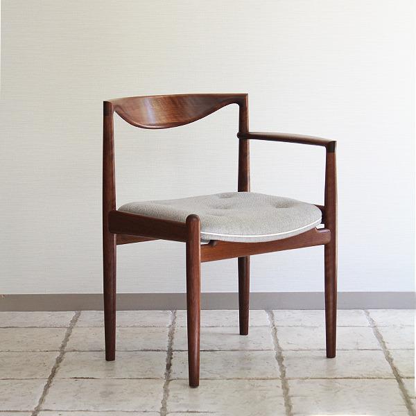 中村達薫  Chair (8).jpg