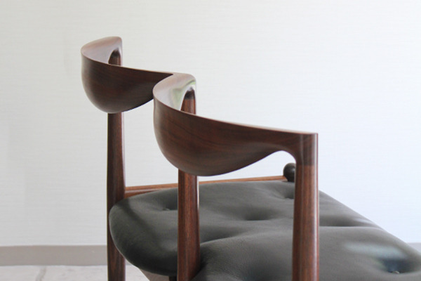 中村達薫  Chair P5-W (11).jpg