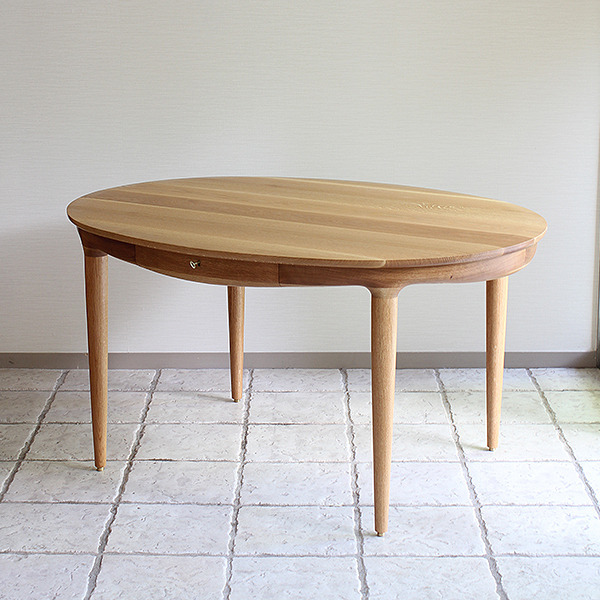 中村達薫  Round Table (1).jpg