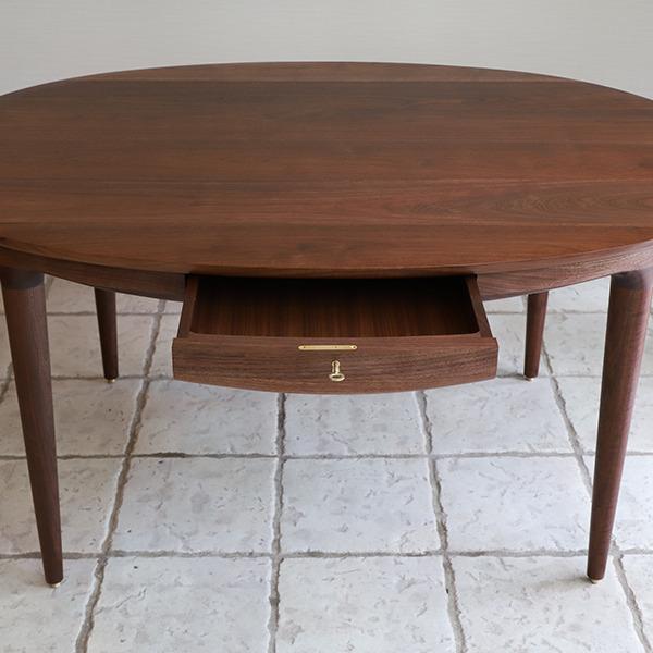 中村達薫  Round Table (楕円) (1).jpg