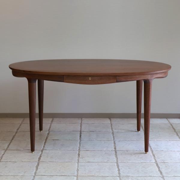 中村達薫  Round Table (楕円) (2).jpg