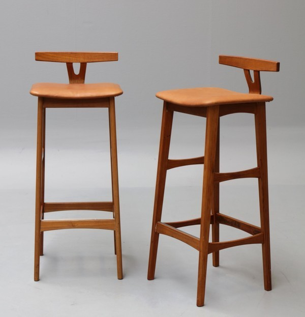 Eric Buch  Barstools  Dyrlund (4).jpg