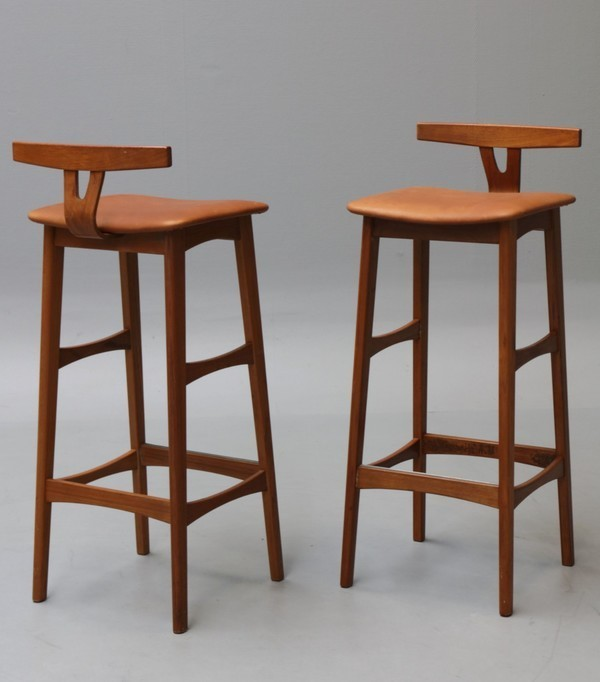 Eric Buch  Barstools  Dyrlund (5).jpg