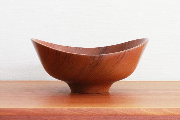 Finn-Juhl--Teak-bowl--Magne-Monsen-for-Kay-Bojesen-02 (19).jpg