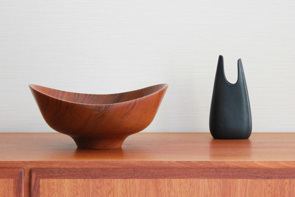 Finn-Juhl--Teak-bowl--Magne-Monsen-for-Kay-Bojesen-02 (3).jpg