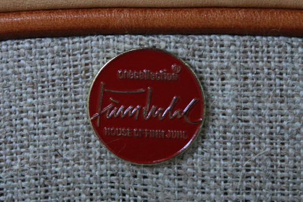 Finn-Juhl--armchairs-FJ44--One-collection-10.jpg