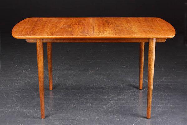 Finn-Juhl-Dining-Table-02.jpg