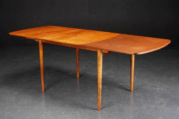 Finn-Juhl-Dining-Table-04.jpg