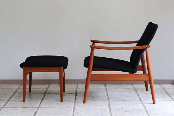 Finn Juhl  Easy chair. FD-138  & ottoman France and son (3).jpg