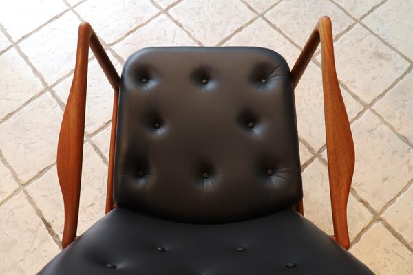 Finn Juhl  Fireplace Chair. BO 59  Bovirke (5).jpg