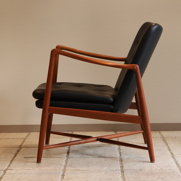 Finn Juhl  Fireplace Chair. BO 59  Bovirke (9).jpg