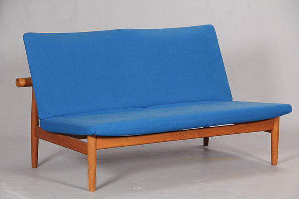 Finn Juhl  Japan sofa .model 137 with footstool  France & Son (1).jpg