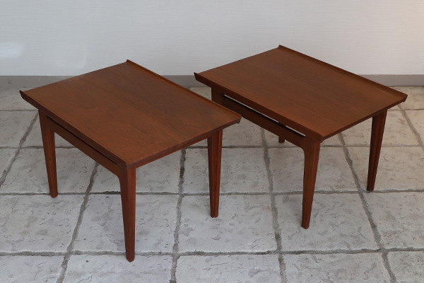 Finn Juhl  Sidetable FD-635  France & Son (2).jpg