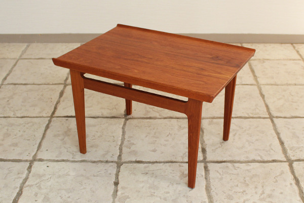 Finn Juhl  Sidetable FD-635  France & Son (3).jpg