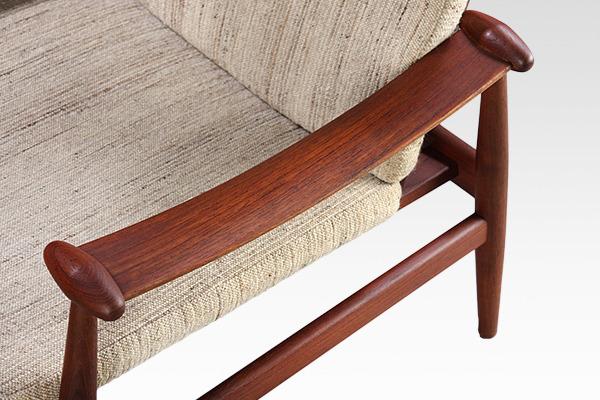 Finn Juhl  Spade chair. FD133  France & son (1).jpg