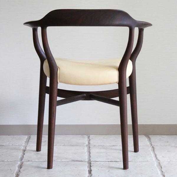 Finn Juhl  armchairs FJ44  One collection-04.jpg