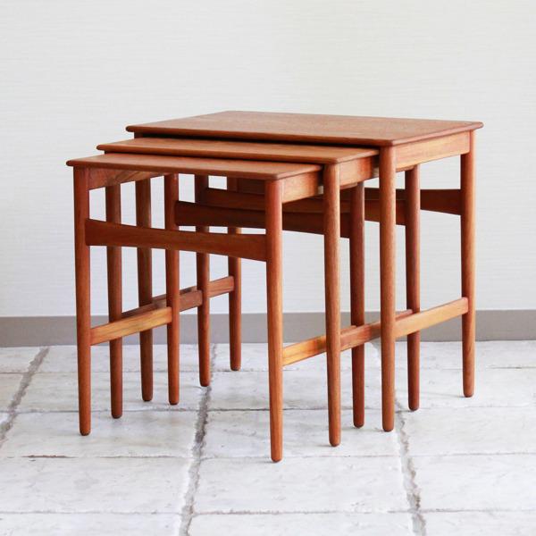 Hans-J.-Wegner--Nesting-Tables--Andreas-Tuck-02.jpg