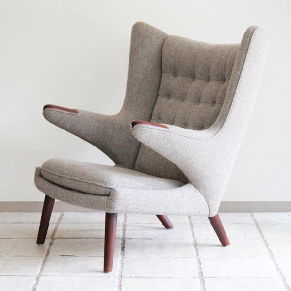 Hans-J.-Wegner--Papa-bear-chair.-AP19-and-ottoman--AP-Stolen-04.jpg