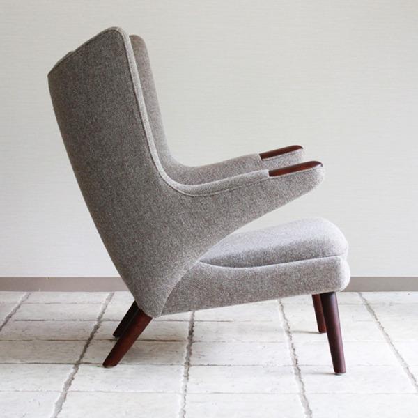 Hans-J.-Wegner--Papa-bear-chair.-AP19-and-ottoman--AP-Stolen-08.jpg
