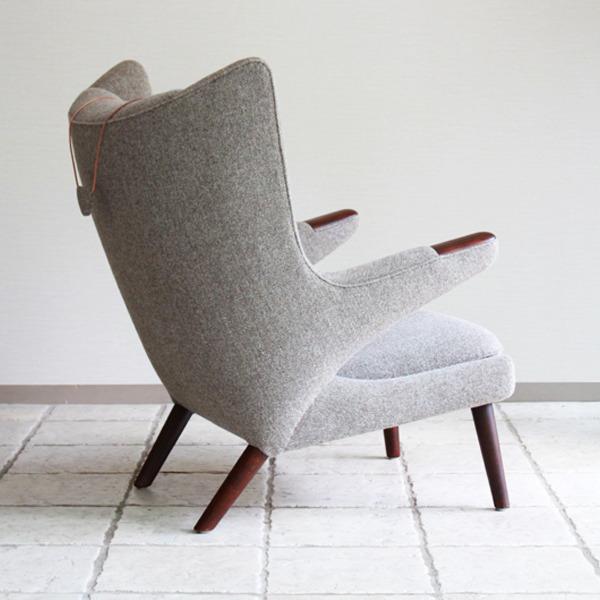 Hans-J.-Wegner--Papa-bear-chair.-AP19-and-ottoman--AP-Stolen-09.jpg