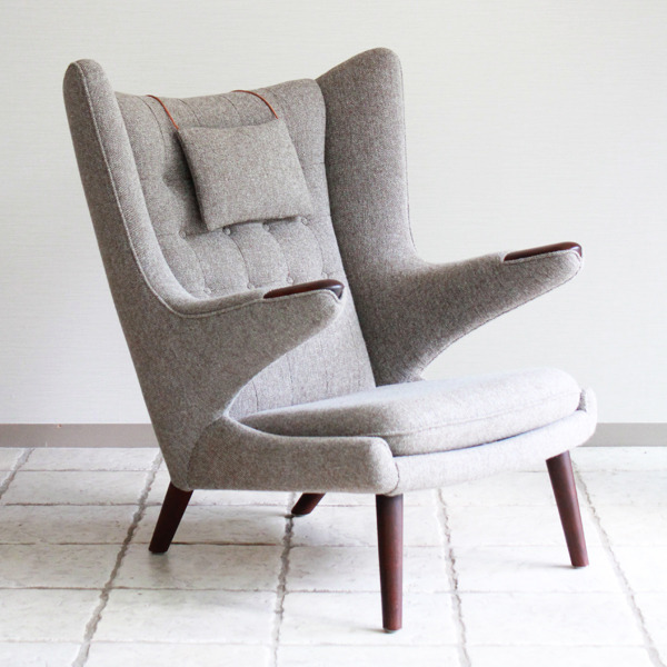 Hans-J.-Wegner--Papa-bear-chair.-AP19-and-ottoman--AP-Stolen-10.jpg