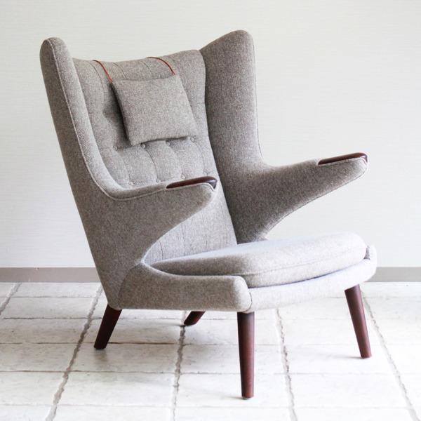 Hans-J.-Wegner--Papa-bear-chair.-AP19-and-ottoman--AP-Stolen-10.jpg