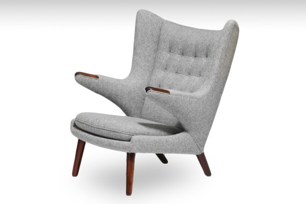Hans-J.-Wegner-E2809CPapa-Bear.-Wingback-easy-chair-with-Brazilian-rosewood-nailsE2809D-and-stained-beech-legs-01-thumbnail2 (1).jpg