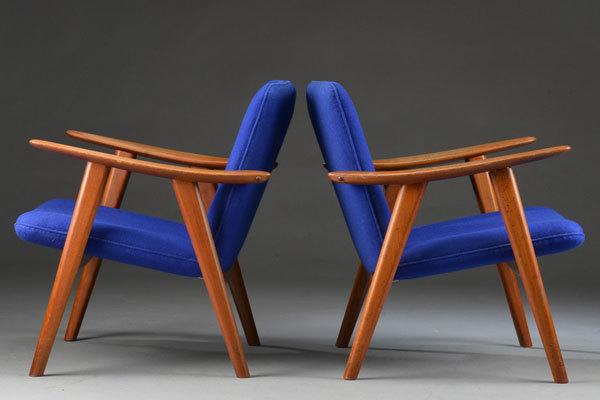 Hans-Wegner-Easy-chairs-JH517-02.jpg